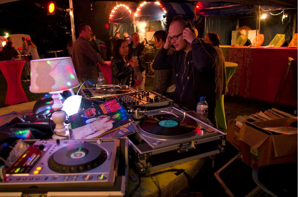 All-rounnd DJ huren?